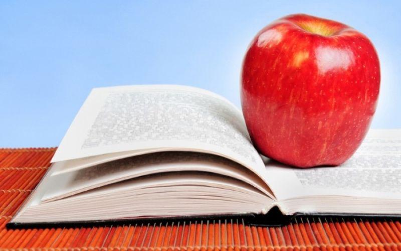 Τι να τρώει το παιδί στις πανελλήνιες εξετάσεις; Αυτή είναι η σωστή διατροφή